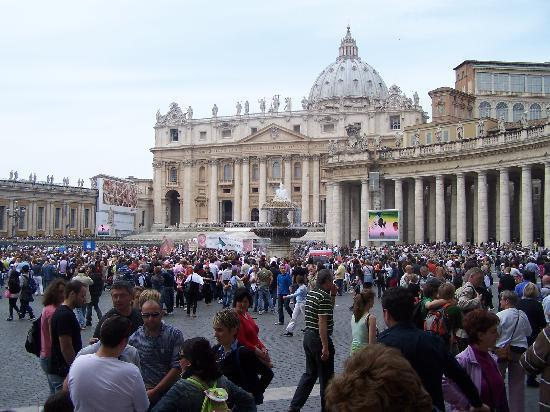 The Right Place : Moments to St Peters Square & Basilica