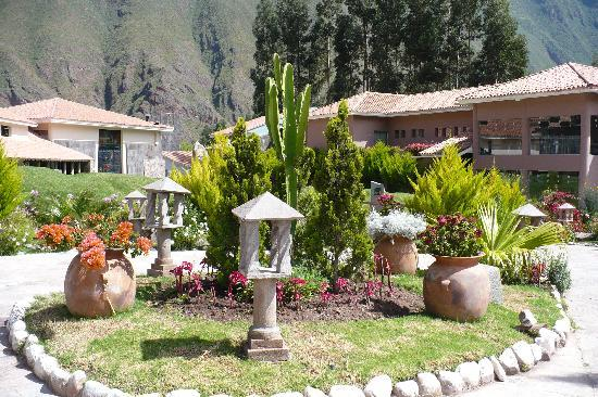 Aranwa Sacred Valley Hotel & Wellness: Grounds at Aranwa