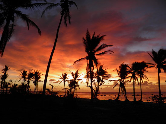 Aroa Beach, Islas Cook: Dawn in Autaki