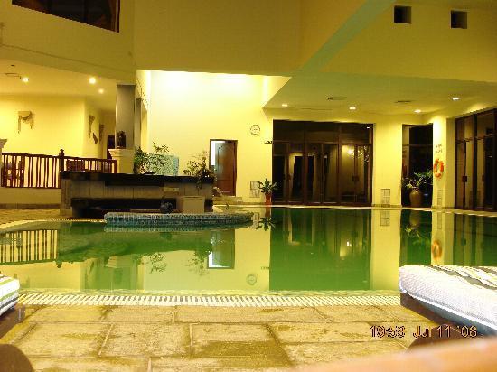 Gokarna Forest Resort : Indoor Swimming pool