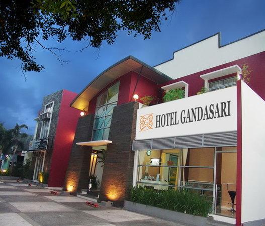 Anggrek Gandasari Hotel : Gandasari Front View