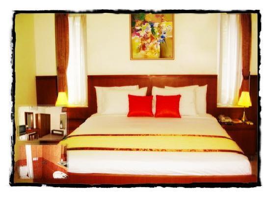 Anggrek Gandasari Hotel: Our Amaryllis Room