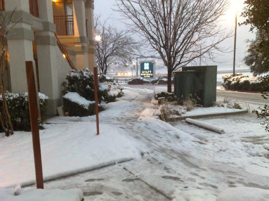 HYATT House Dallas/Las Colinas: More of the snow