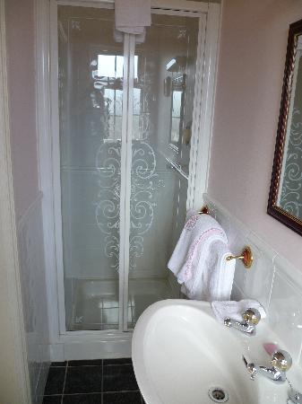 Bayberry House : Ensuite Bathroom