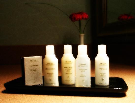 Atlantica Hotel Halifax: Premium Aveda Bath Products