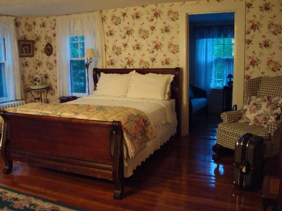 Old Sea Pines Inn: The Rowan Tree (room #7)