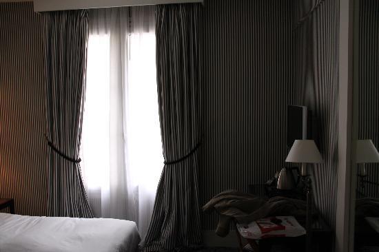 Mercure Paris Champs Elysees: Chambre