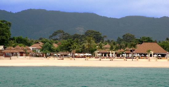 Pavilion Samui Villas & Resort: beach and resort