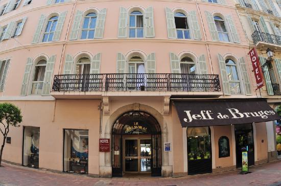 Hotel Balmoral : hotel building
