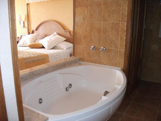 Baignoire Picture Of Iberostar Suites Hotel Jardin Del Sol Santa