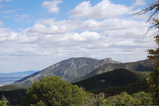 سييرا سويتس: Historical Montezuma Canyon