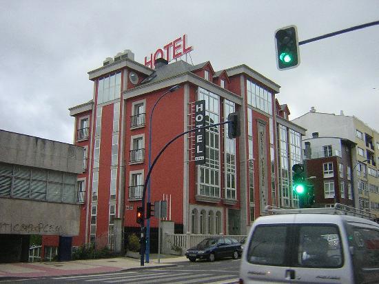 Hotel Crunia - A Coruña: Fachada del hotel-2