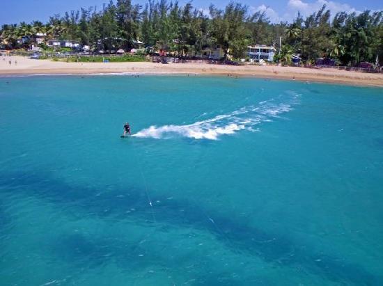 Parador Villas del Mar Hau: Beach