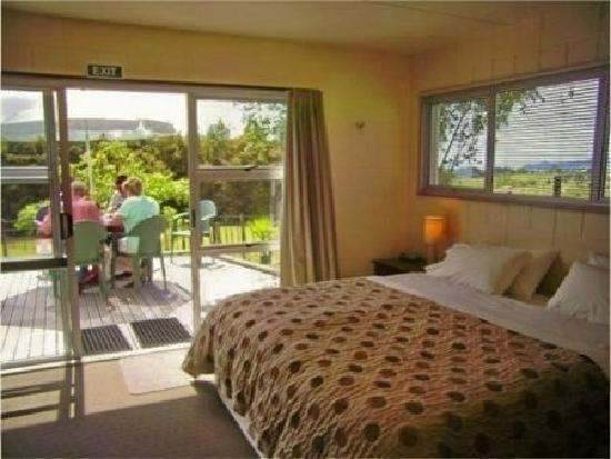 Arches Retreat - Ridgeland Farm Whangarei: Large Super KING Rooms and beds