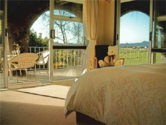 Arches Retreat - Ridgeland Farm Whangarei: Two spacious suites