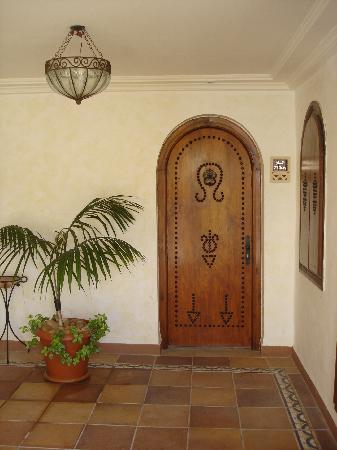 Hotel Dar El Bhar: Porte chambre