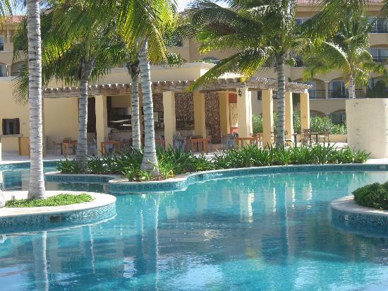 Hacienda Tres Rios: Hacienda Grill Overlooking Pool