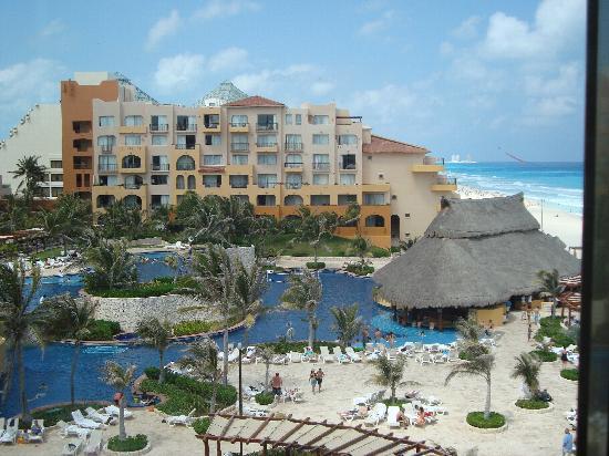 Fiesta Americana Condesa Cancun All Inclusive: vista panorámica hotel alberca