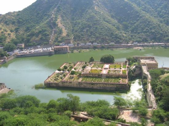 Jaipur, India: Vista del lago desde el Fuerte Amber