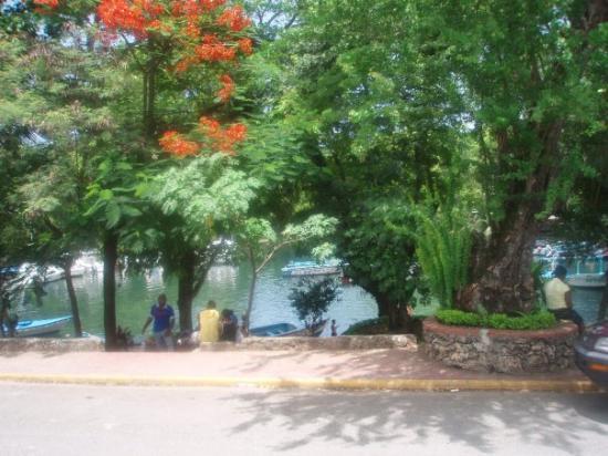 La Laguna Grigri Rio San Juan Republica Dominicana