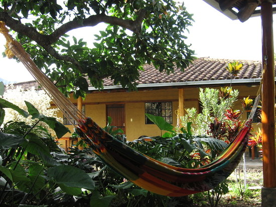 Le Rendez-Vous Hostal Guesthouse: hammock in front of porch