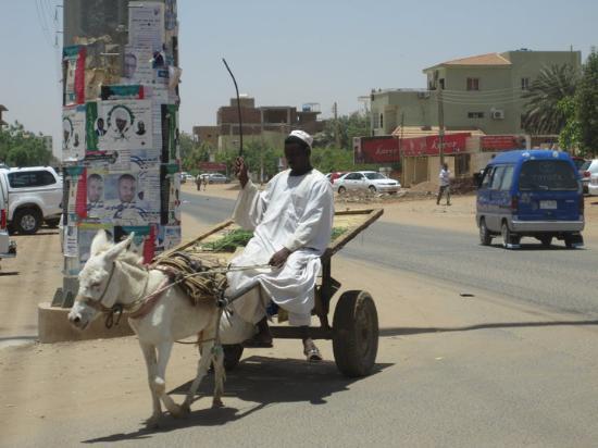 Khartoum, Sudán: interesting way of locomotion, right?