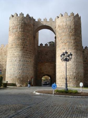 Ávila, España: Muralha de mais de 900 anos
