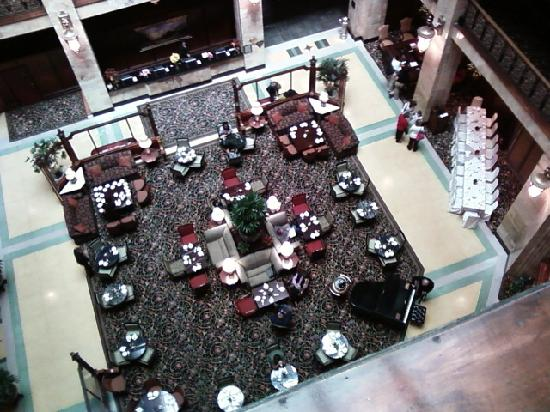 The Brown Palace Hotel and Spa, Autograph Collection: The lobby atrium is just beautiful.