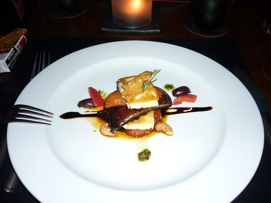 Red Snapper Restaurant & Bar : Halumi and grilled veg starter...flavour bomb!