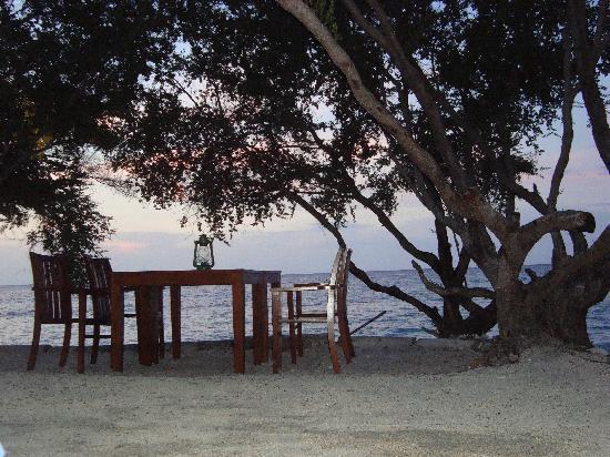 Villa Grasia Resort & Spa: Beachside restaurant- Villa Grasia