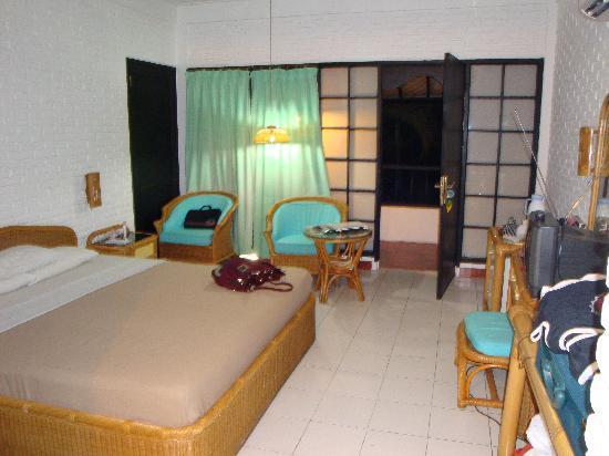 Puri Kelapa Garden Cottages: room