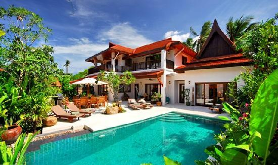 Shiva Samui: 2 to 5 bedroom luxury villas right on the beach!
