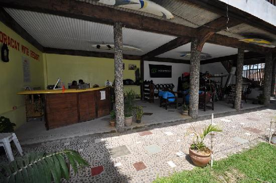 Boracay Kiteresort: the integrated north kiteschool