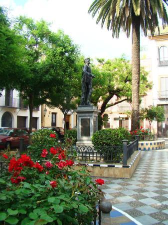 Barrio Santa Cruz : some dude