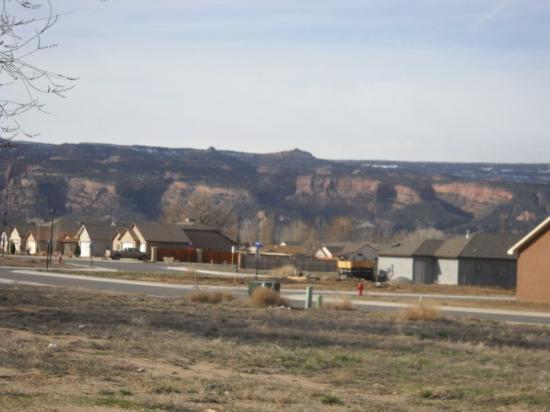 Grand Junction, CO: Toujours les Rockies derrière.