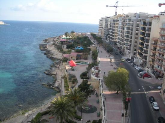 Sliema, Malte : Plaza Hotel Roof View 1
