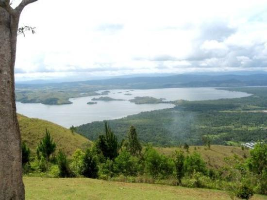 Jayapura, Индонезия: Sentani Lake from Mac Arthur Base