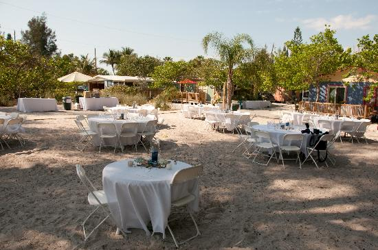 Rolling Waves Cottages: Reception Set Up