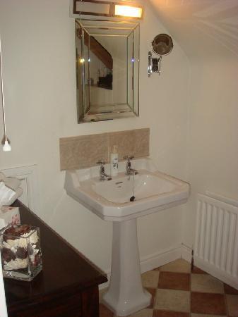 Rayanne House: Bathroom