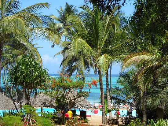 VOI Kiwengwa Resort: dalle camere per andare in piscina o in spiaggia
