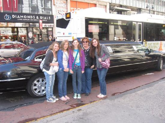 ShopNYC Tours: Teen Shopping Tour - Getting Started