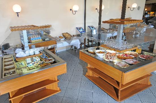 Comfort Hotel Toulouse Ramonville : Petit déjeuner buffet