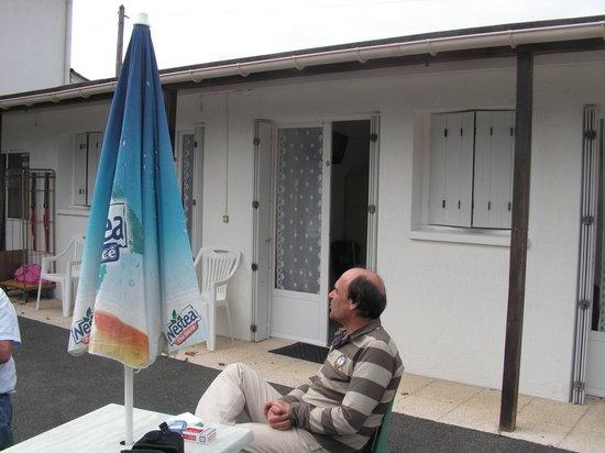 Vaux-sur-Mer, Francia: une chambre sur la courette