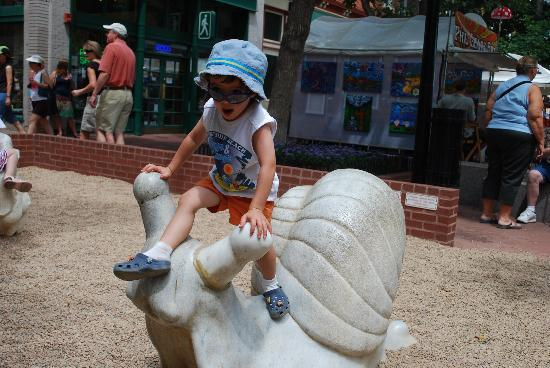 Boulder, CO: Children's Play Areas...Pearl Street Mall