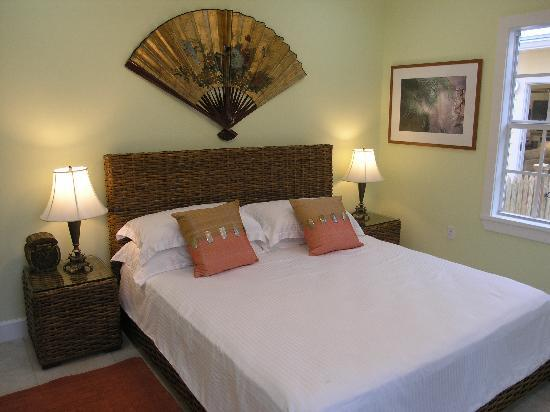 Travelers Palm Inn