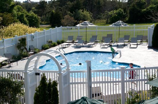 Winnetu Oceanside Resort: Winnetu guests can swim in two outdoor, heated pools.