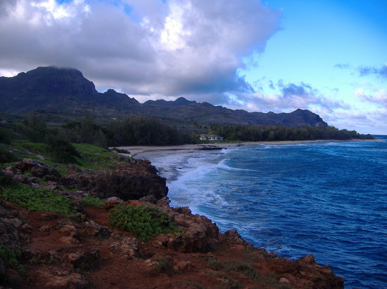 Kauai Cove Cottages: secluded beach