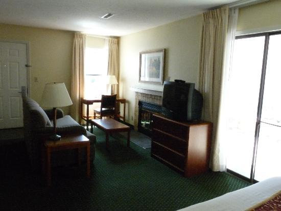 Residence Inn Cincinnati North / Sharonville: Living Room