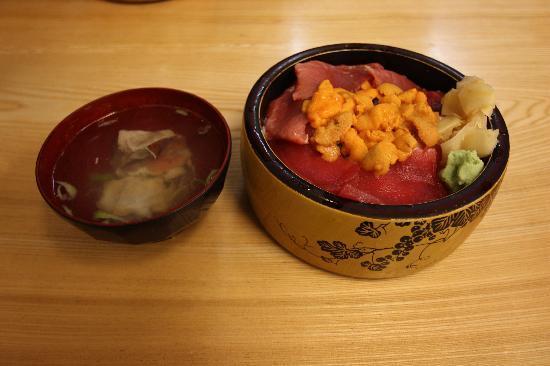 Sushi Dokoro Mikuni : うにと大間のマグロ丼