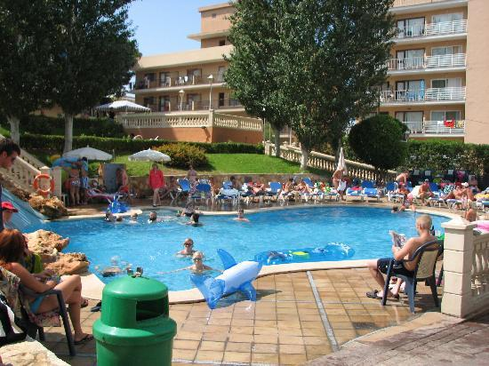 Palma Bay Club Resort: Una de las piscinas